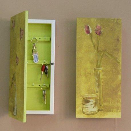 Caja para llaves verde blanco emilio rubio for Caja cuadro electrico