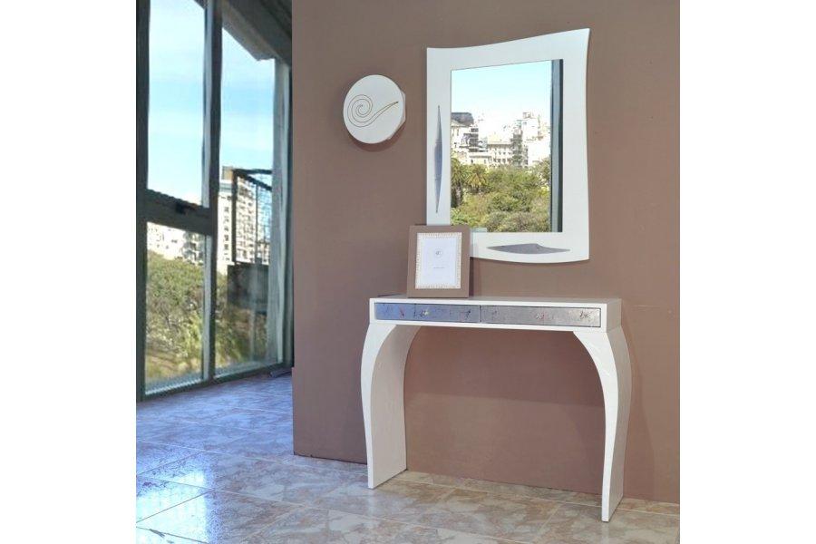 Consola Blanca y plata Espejo y Llavero - Emilio Rubio