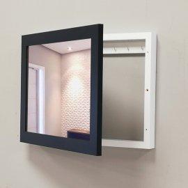 Cubrecontador negro y blanco espejo colgadores llaves